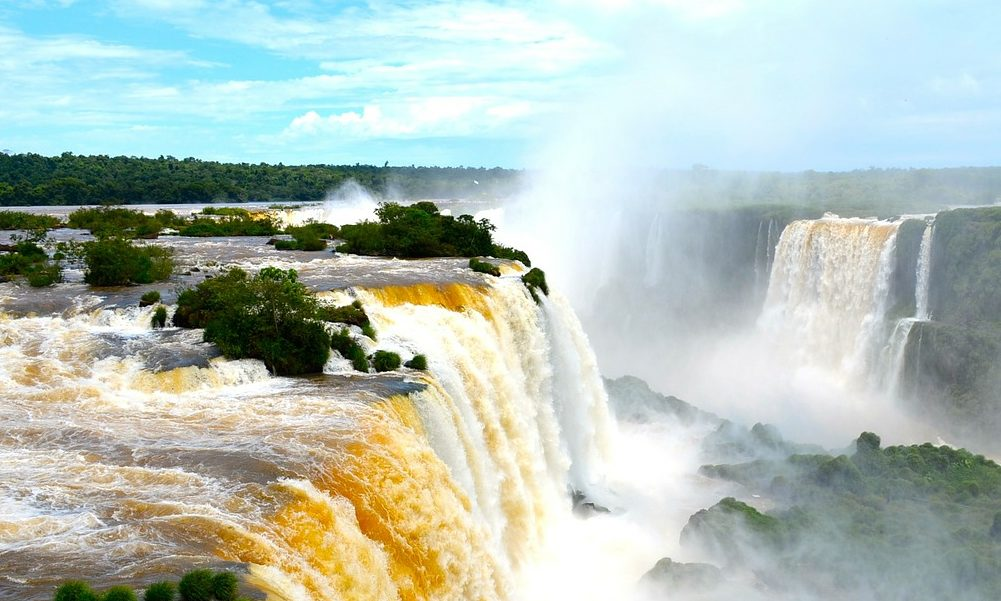 Iguazu Falls from the middle